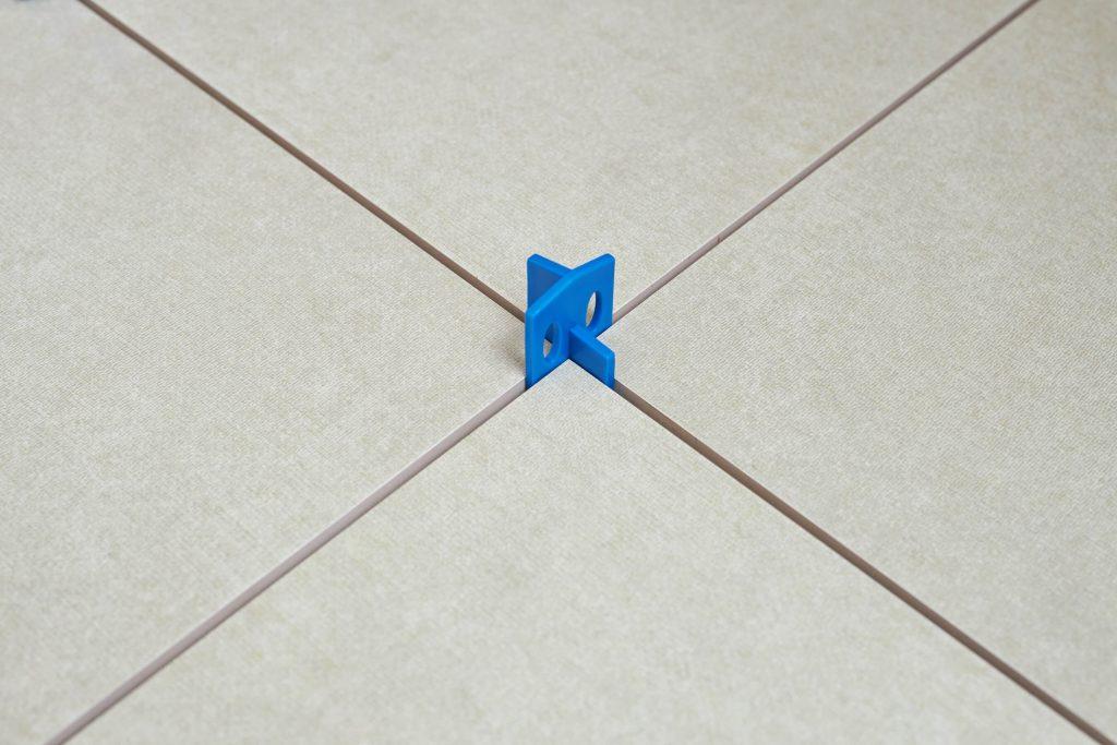 Krížiky na dlažbu | Levelys